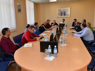 Meeting about the new project (photos)