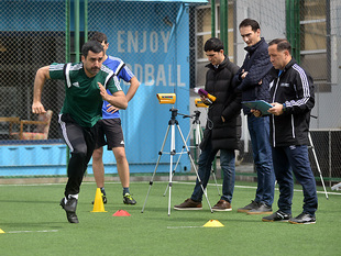 Physical training tests for assistant referees (photos)