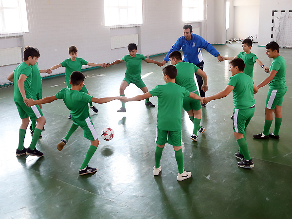 Football lesson in schools project in Aghjabadi and Tovuz (photos)}